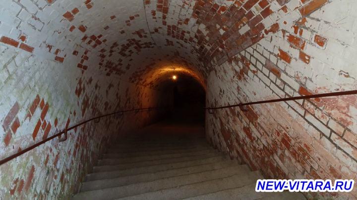 Поездки по Калининградчине - Форт 11 лестница.jpg