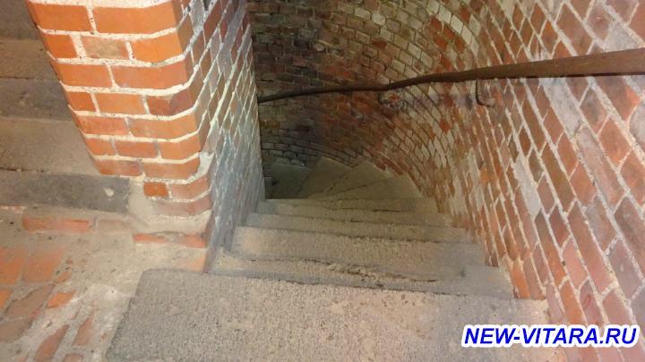 Поездки по Калининградчине - Форт 5 лестница.jpg